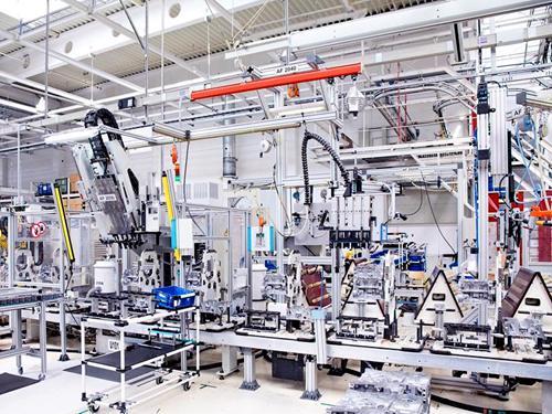 工厂生产管理系统应该具备哪些功能?